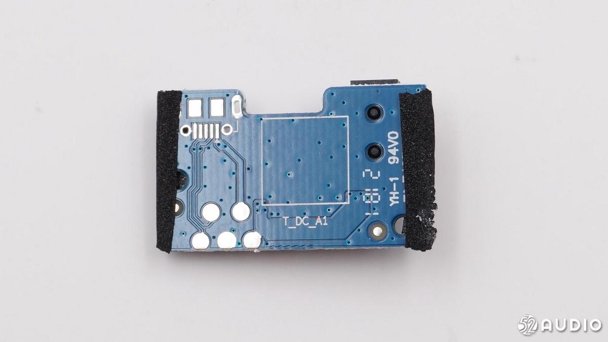 两款热门迷你智能音箱拆解对比:天猫精灵方糖、小爱智能音箱mini-我爱音频网