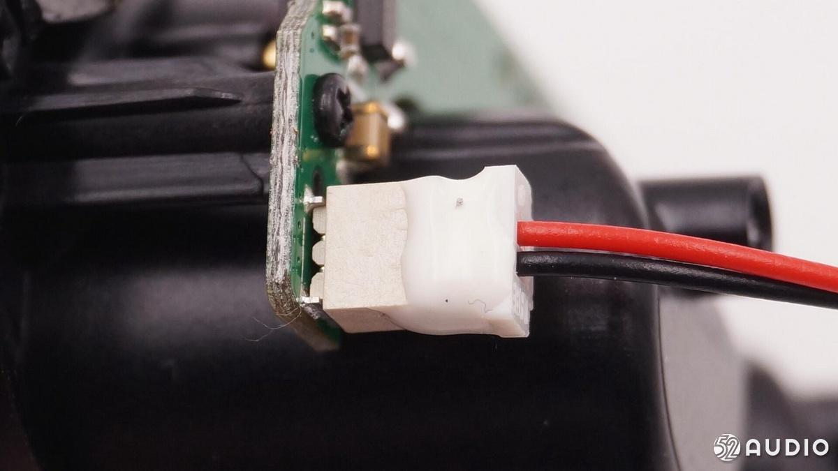 拆解报告:派美特T5真无线立体声蓝牙耳机-我爱音频网