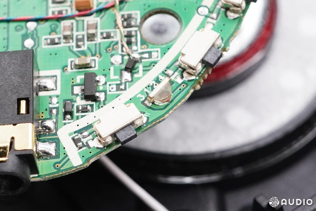 拆解报告:神秘降噪头戴蓝牙耳机丨内置佩戴检测芯片-我爱音频网