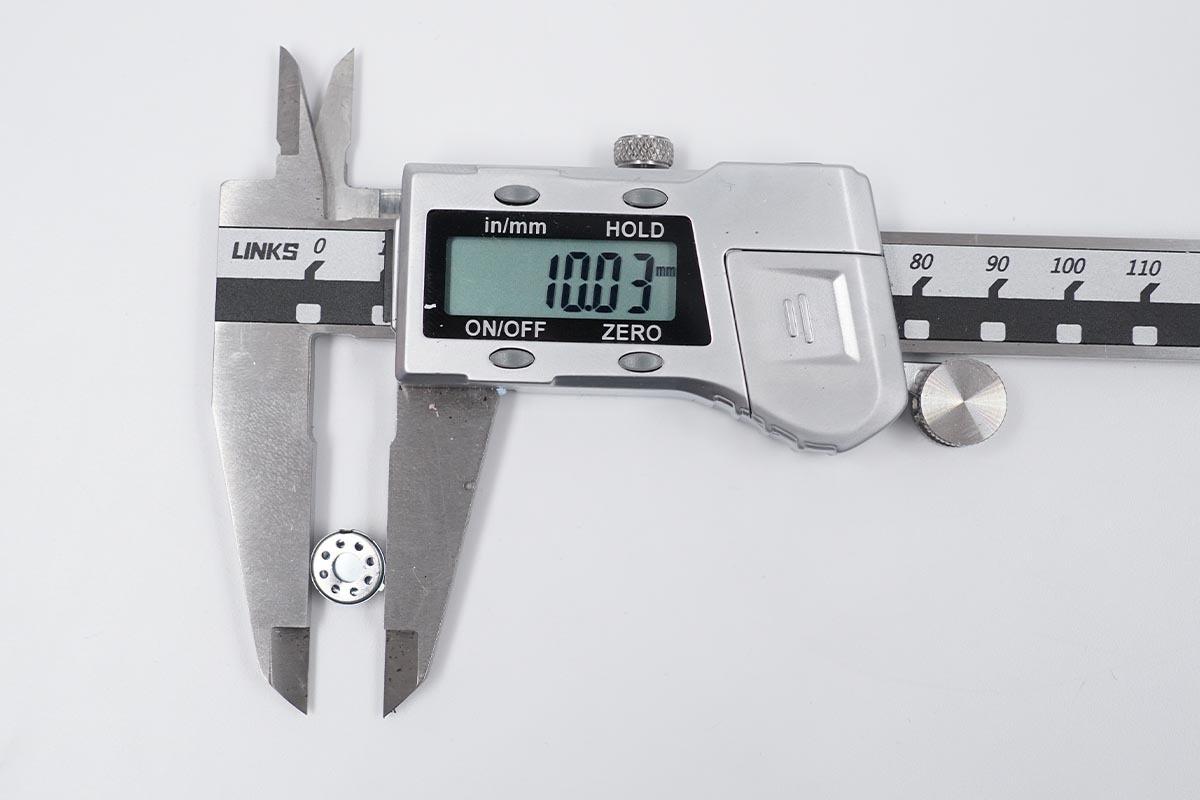 10mm复合振膜喇叭,低功耗大容量32小时续航,从结构配置看荣耀Earbuds 2 SE-我爱音频网