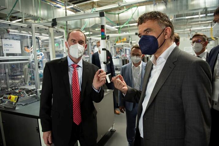 VARTA诺德林根厂区的全新锂电池工厂正式投产-我爱音频网