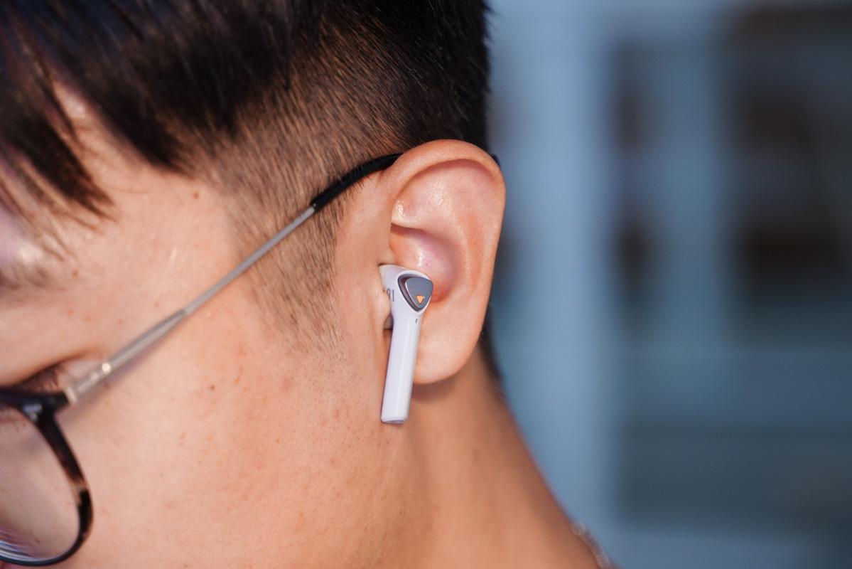飞智X1蓝牙耳机评测,三角能量柱打造低延迟、高音质和高续航体验-我爱音频网